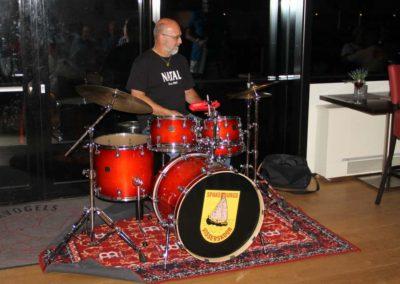 Overhandiging nieuw drumstel