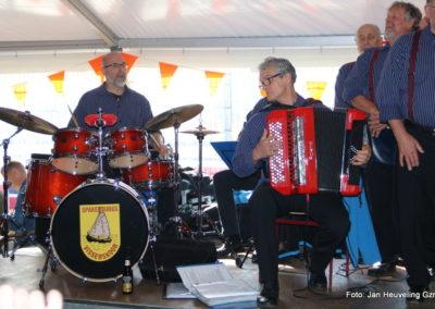 Optreden bij IJsselmeervogels op Koningsdag 2017