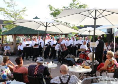 Optreden bij de Tuinmarkt Zorg- en wooncentrum de Haven Spakenburg